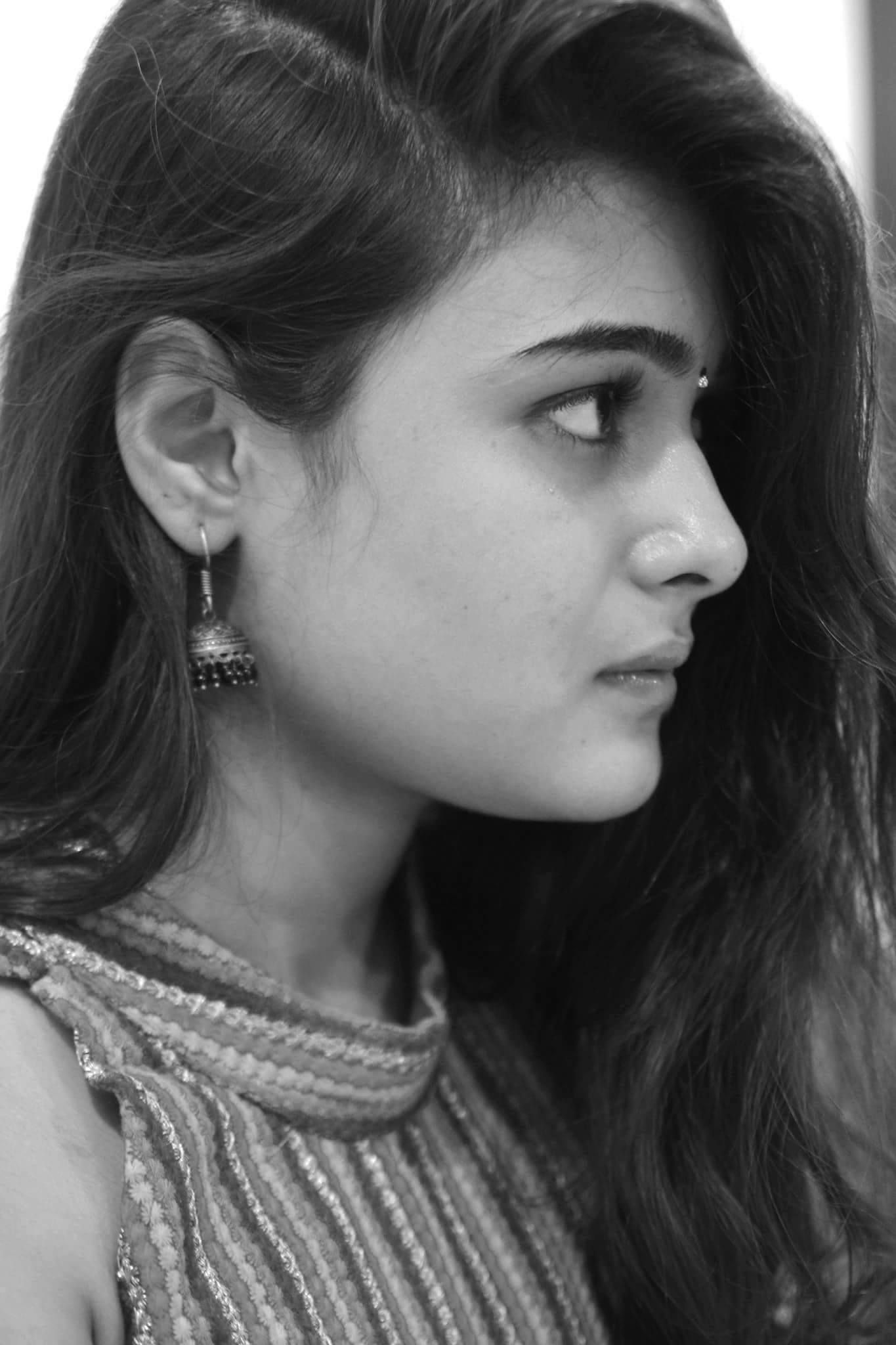 Shalini Pandey New Latest Hd Photos Arjun Reddy Movie Heroine