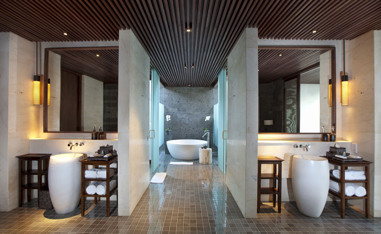 Bathroom With Jacuzzi 43 Picture Gallery Website Regent Beachfront Pool
