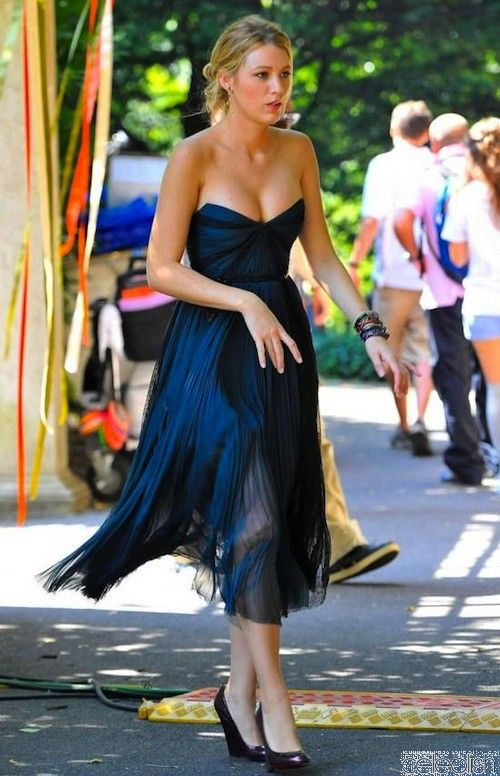Blake Lively Blue Bridesmaid Dress Gossip Girl Fashion | Gossip girl ...