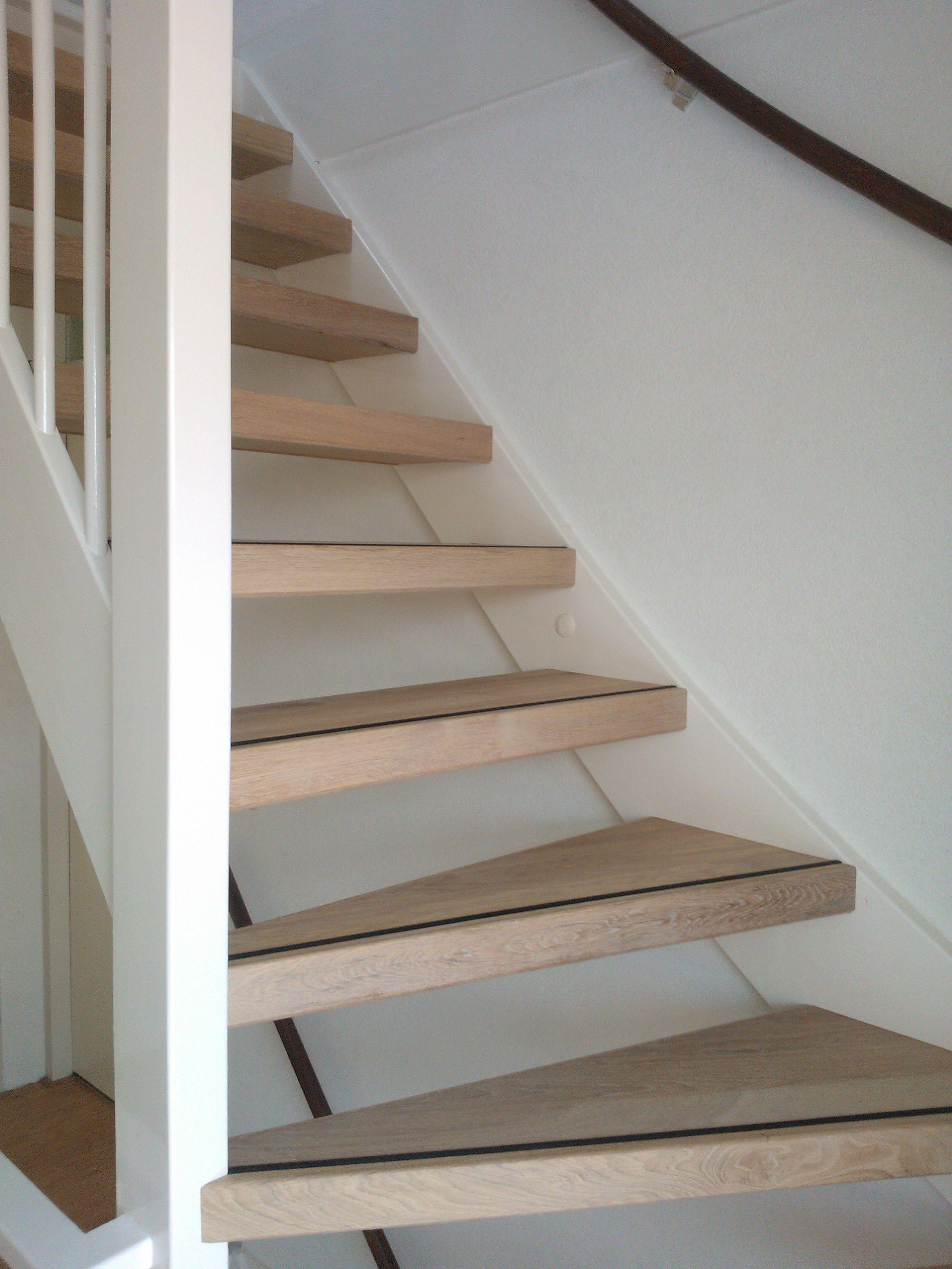 Open trap bekleden met vinyl google zoeken trap trap for Dichte trap maken