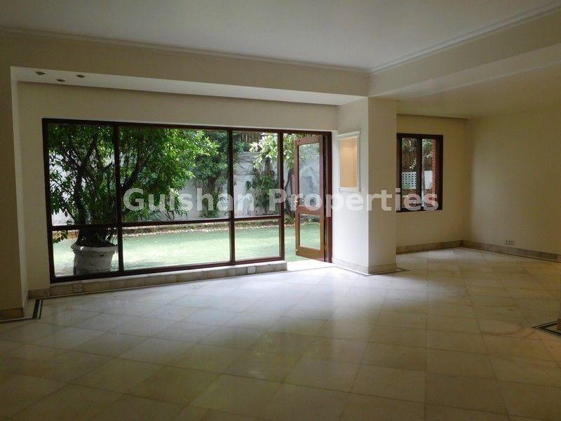 Villa For Rent 👉Location Maharani Bagh, New Delhi 👉Floor
