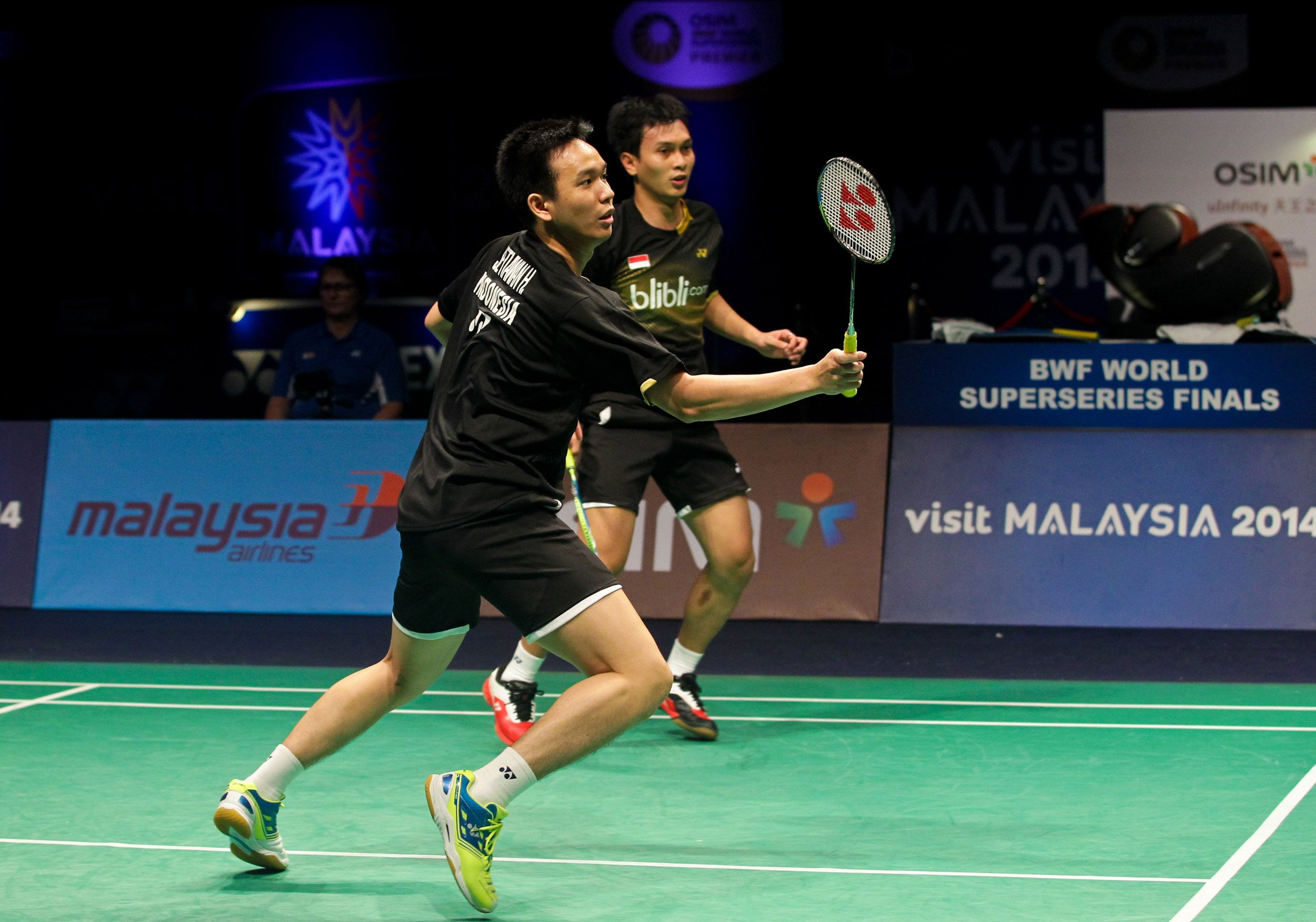 Lee Chong Wei Vtzf Shb01ltd And Tommy Sugiarto Arc11 At The Bwf World Superseries Finals