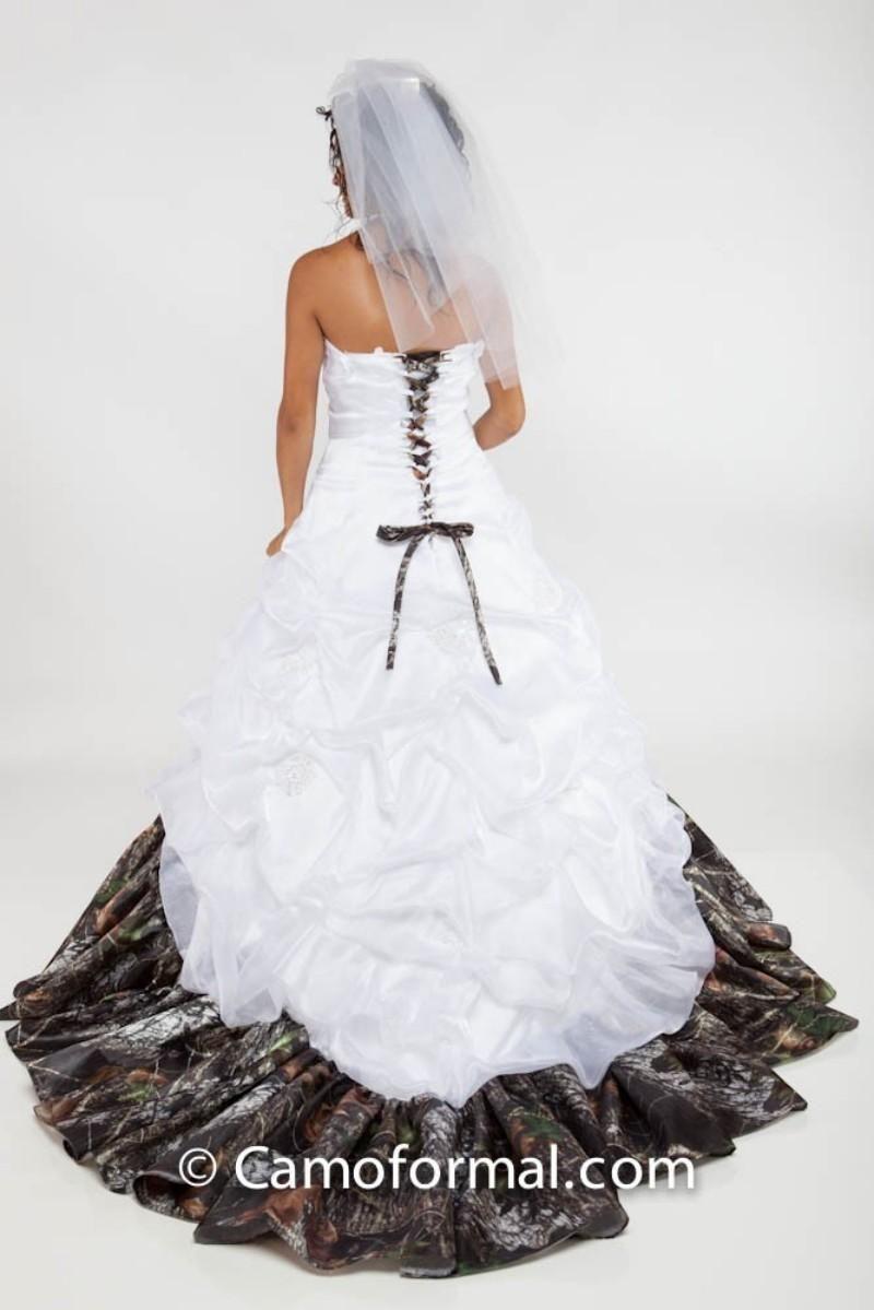 Wedding dresses camo  Organza Pickups Camo Wedding Dresses with White Pleats and Ruffles