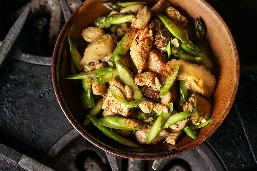 poulet saut aux asperges et shiitak s recette cuisine pinterest les asperges asperges. Black Bedroom Furniture Sets. Home Design Ideas