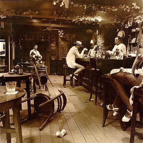 The 6 Variant Album Covers Of Led Zeppelin S In Through The Out Door Led Zeppelin Vinyl Led Zeppelin Album Covers Zeppelin