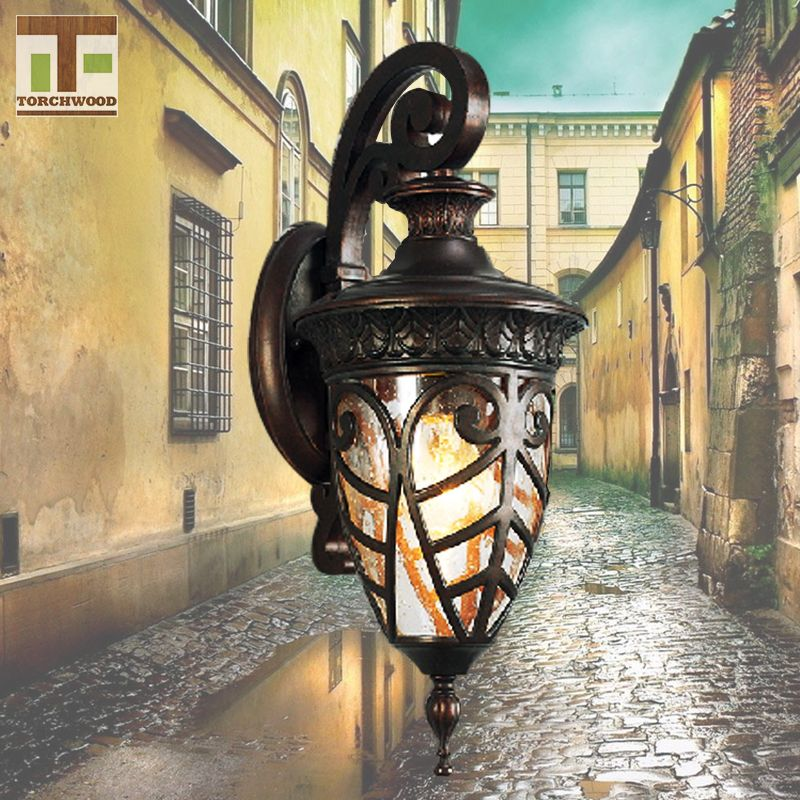 Decorative European Style Waterproof Outdoor Down Wall Light Led
