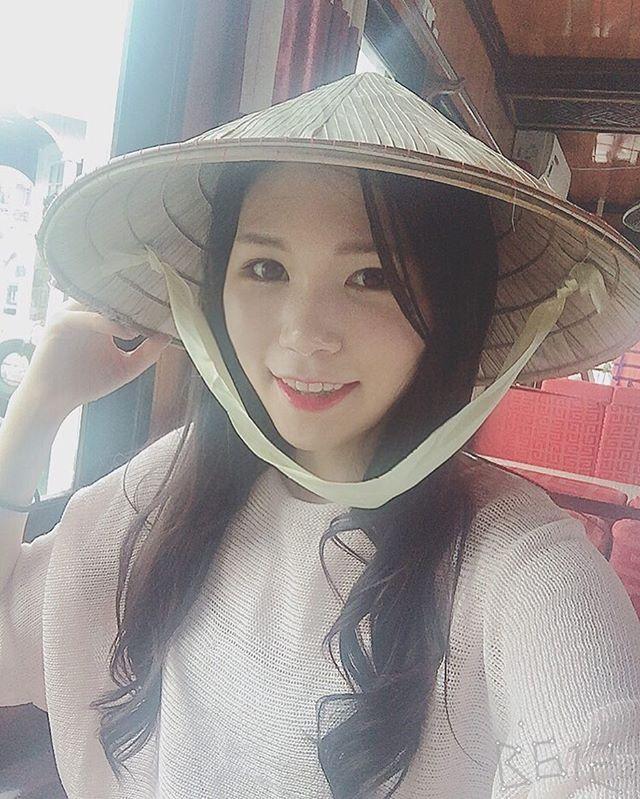 #선상파티#해산물#냠냠#유람선#대여#우리만있군👍🏻#바닷바람#솔솔#논#인지#넌#인지#이름모를 모자#베트남#하롱베이#vietnam#selfie#셀스타그램