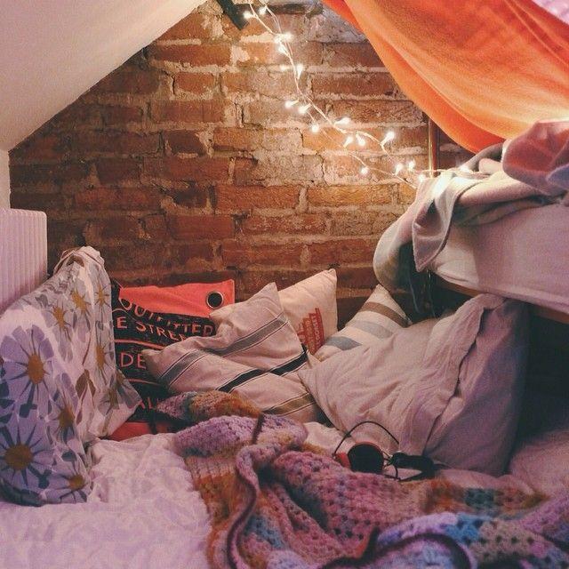 Bedroom Fort: (100+) Likes