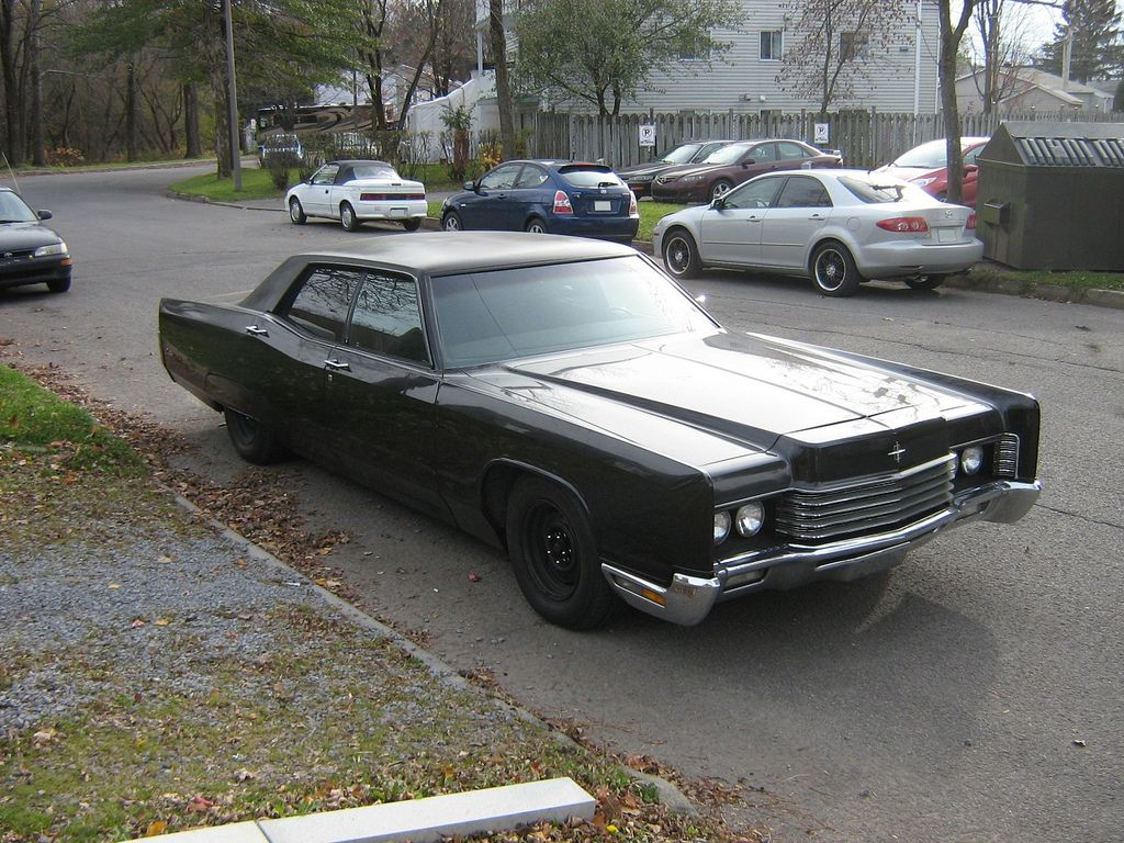 1970 Lincoln Continental Town Car | File:Gangster-styled 1970 ...