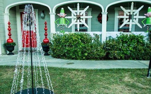 Matt Rogers\u0027 Christmas Light Tree #christmaslightsindoors