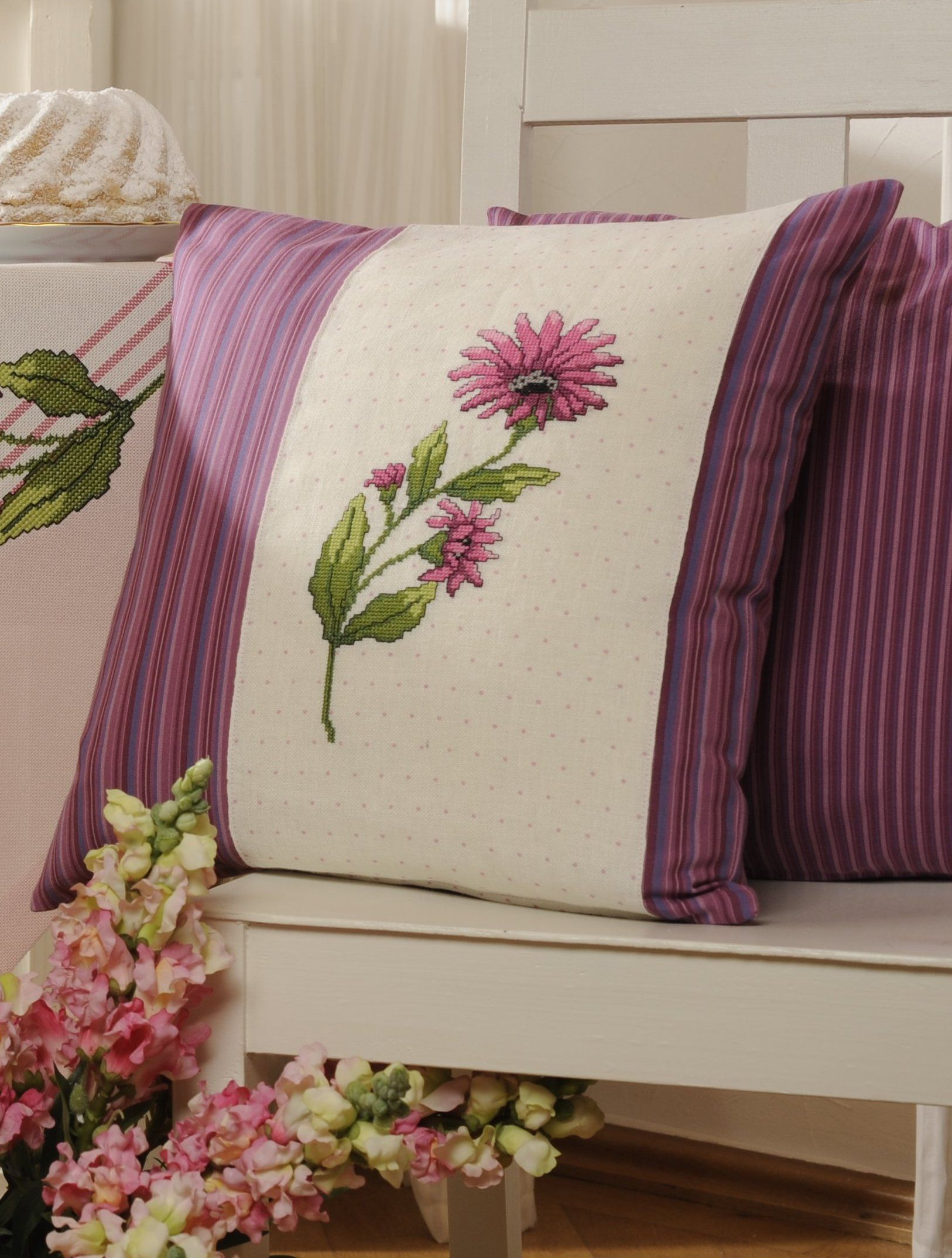 Kissen für den gartenstuhl design gerlinde gebert pillows