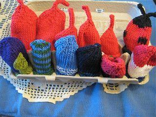 Hissy Stitch, a Knitting and Needlework Blog: Eenie, Meenie, Minie, Moe: Lots of cute premie hats to go! (with free pattern) #premiebabyhats Hissy Stitch, a Knitting and Needlework Blog: Eenie, Meenie, Minie, Moe: Lots of cute premie hats to go! (with free pattern) #premiebabyhats