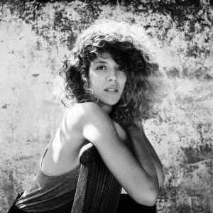 L'artiste du jour sur la ChEEk Radio, c'est Madjo avec Choose The Heart. A écouter ici http://cheekmagazine.fr/radio/ #musique #music #singer #girl #musician