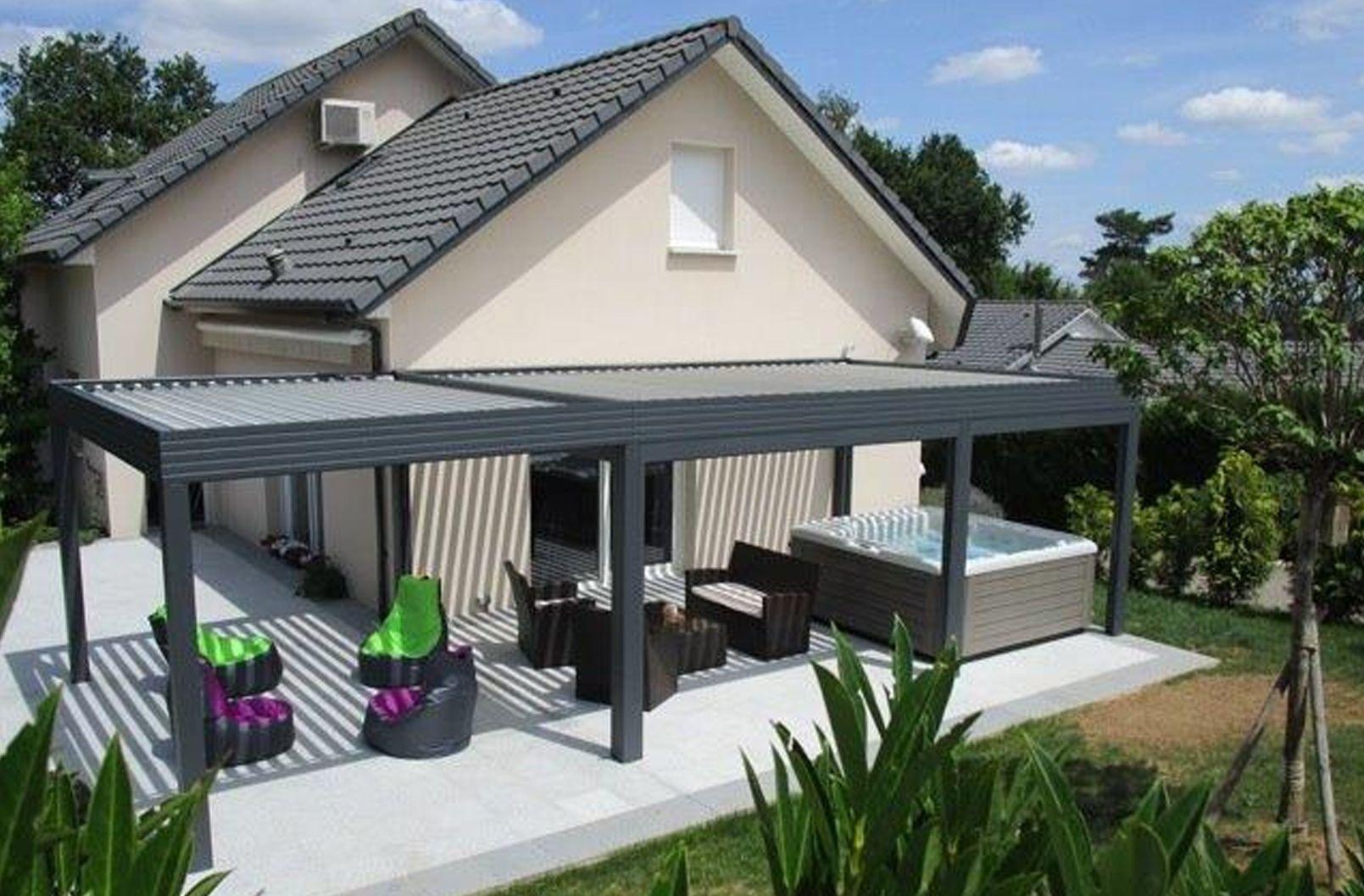 Pergola bioclimatique lames orientables maison for Terrasse exterieur deco