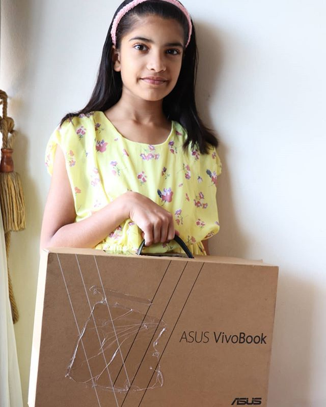 Keisha enjoying her new #AsusVivoBook S530U @asus_za Would love to see what's her Creative Style? #UnleashYourCreativeVision #TheLifesWay #Photoyatra #AashishRaiJain #daughterslove #Funwithfamily #WalkingwithCamera #photographerwithpassion #instagrammer #LiveForTheStory #Parenting #Funwithfriends #Yellow #laptop #Gadgets #Technology www.thelifesway.com