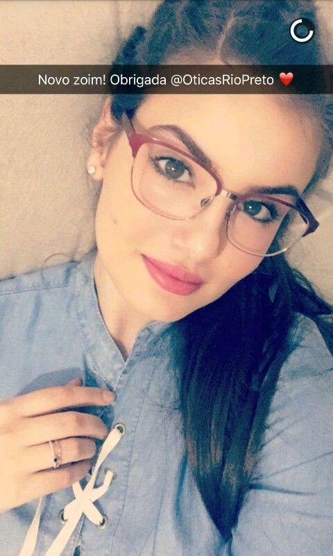 510fa5ce4 Óculos de Camila Queiroz Do... snapchat | Camila Queiroz in 2019 ...