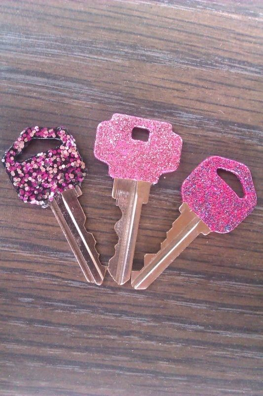 Car Keys & House Keys: paint your keys so you know which one is which!