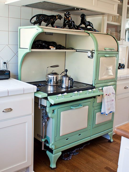 Green Style The Prettiest Wedgewood Stove Vintage Kitchen