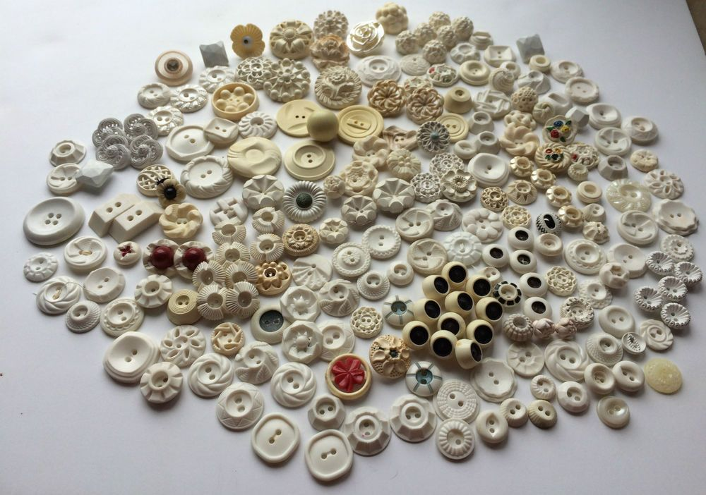 US $5.00 Used in Collectibles, Sewing (1930-Now), Buttons