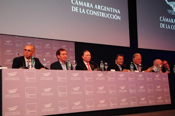 CAMARCO | 64ª CONVENCIÓN ANUAL  Con una multitudinaria concurrencia, se realizó la 64ª Convención Anual de la Cámara Argentina de la Construcción. El evento contó con la presencia del Presidente de la Nación, Mauricio Macri.  Más info: http://ly.cpau.org/2eq7MAi
