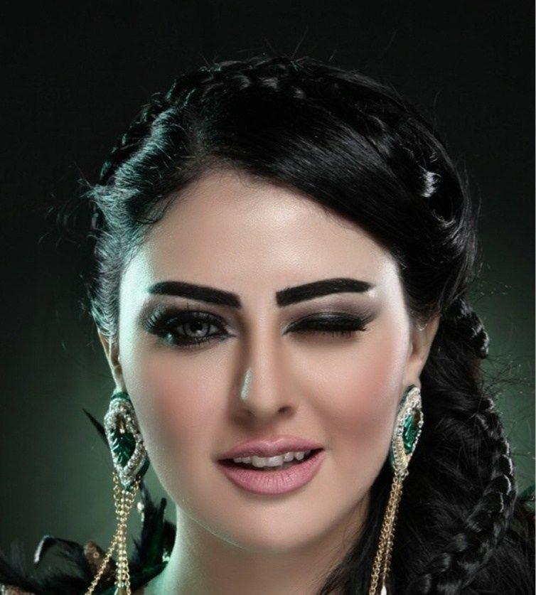 فنانات جميلات لا يثرن اهتمام المغاربة Ear Cuff Earrings Make Up