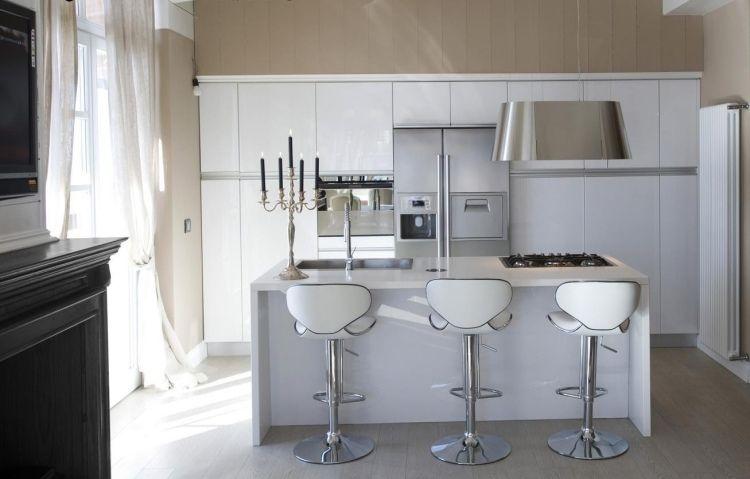 Dunstabzugshaube aus Edelstahl mit minimalistischen dezentem - moderne dunstabzugshauben küche