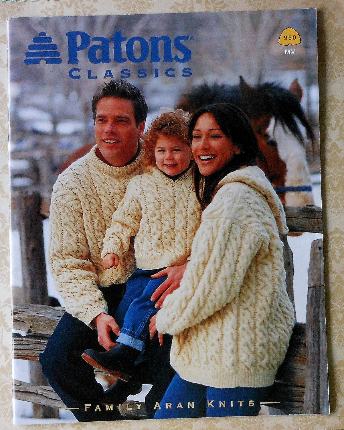 af1160b9bece7 Patons Classic Family Aran Knits Knitting Pattern Booklet
