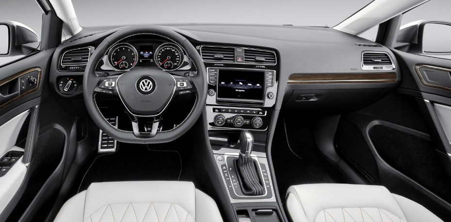 Superb 2018 Volkswagen Passat Interior Pictures
