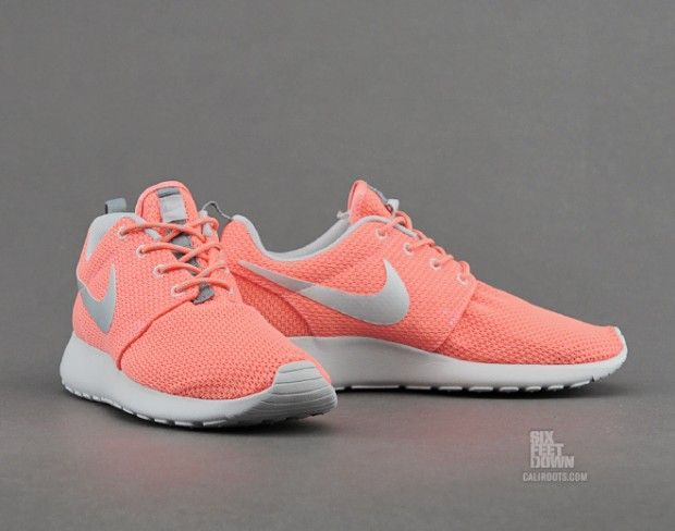 light orange nike roshe run
