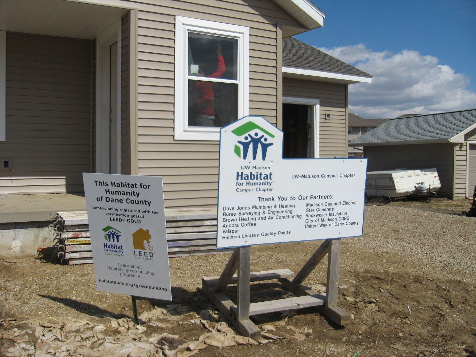 Signage Signage Habitats Concrete
