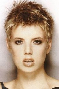 coiffure courte femme visage carré Coupes Coiffures