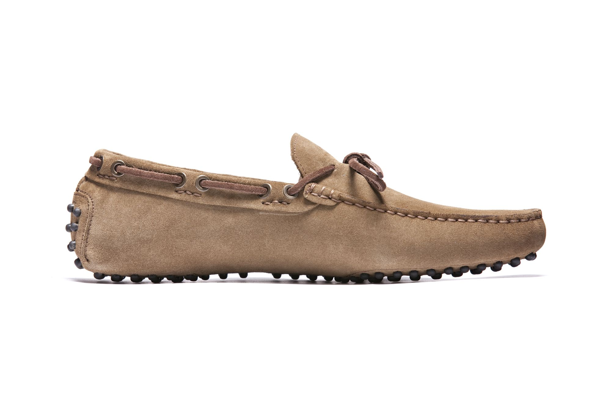El Professòr, the Professor. There could not be a better name for this sandy brown mocassin with earth brown laces. Note: this does not refer to the boring Statistics professor; rather, it refers to the professor of Fashion Management: always on the ball.