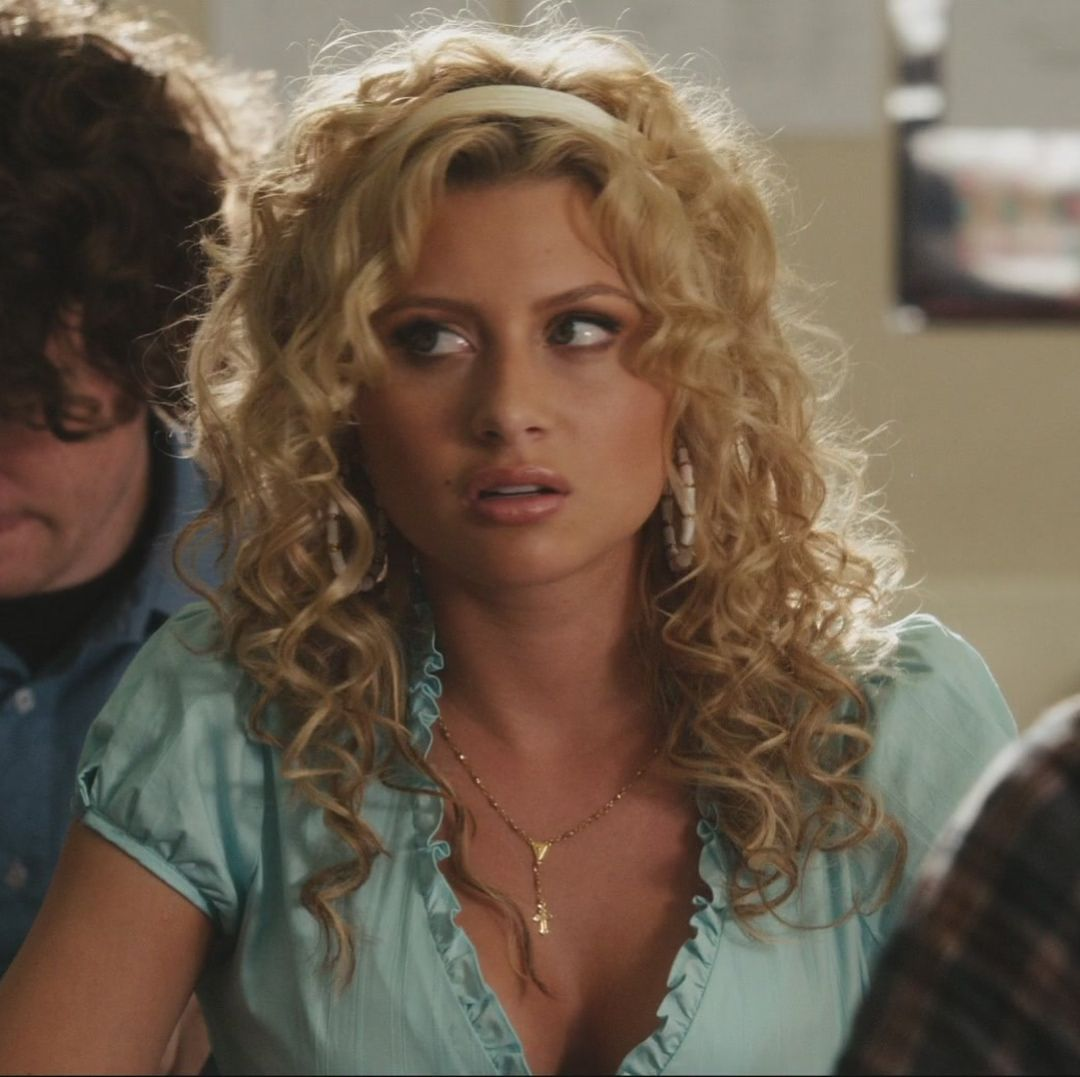 Aly Michalka Naked Pictures aly michalka as rhiannon in easy a was the hottest | aly