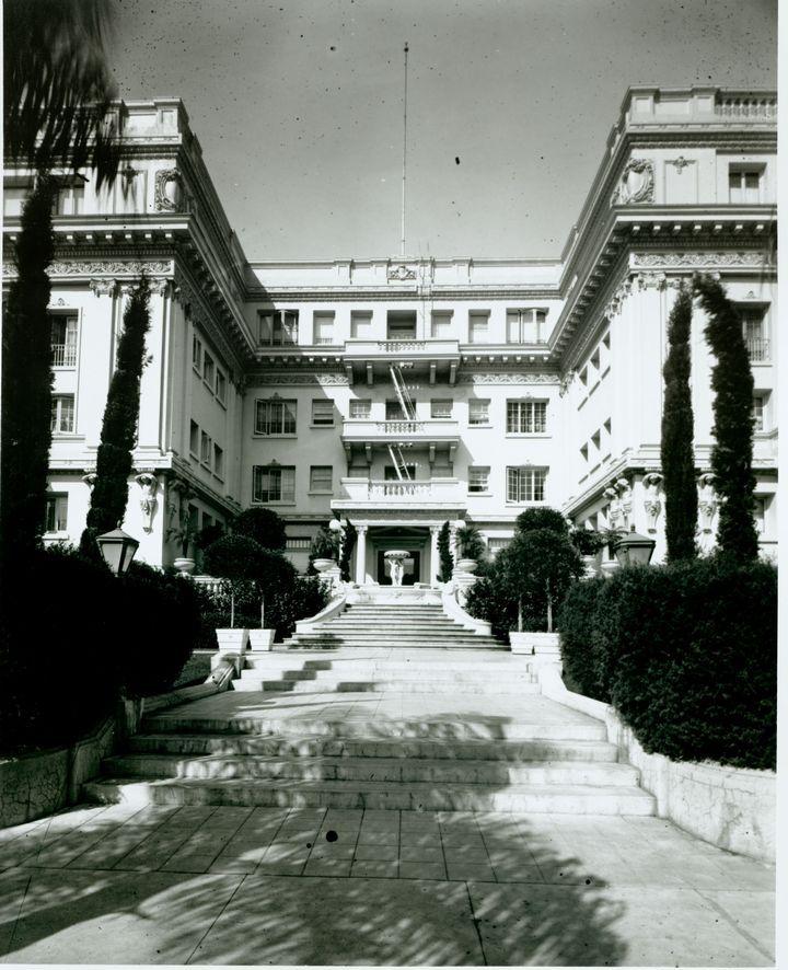 Historic Photograph Of Garden Court Apts., 1926