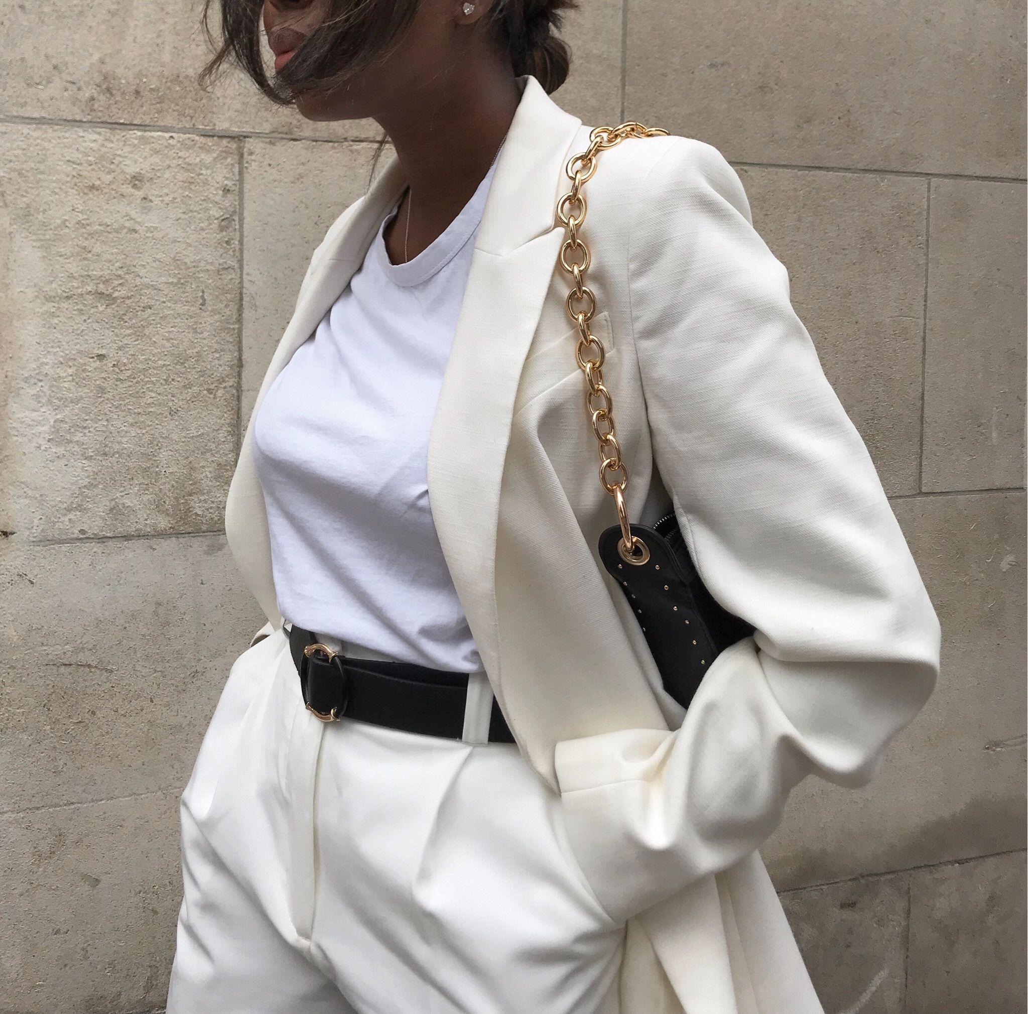 Minimaler Anzug    – Streetstyle