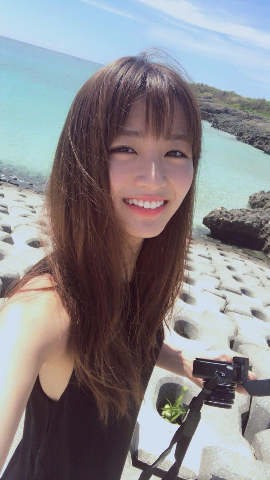 岡崎紗絵 Ray専属モデルの青年誌、初水着グラビア画像10枚 Fasion Asian Beauty And