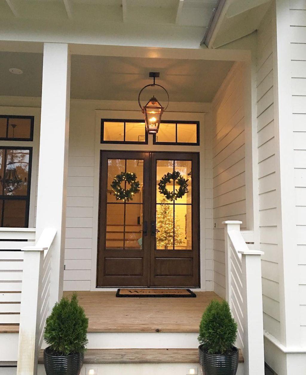Favorite farmhouse christmas entryway 13 homeastern