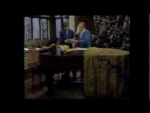 Bing Crosby & David Bowie - Little Drummer Boy/Peace On Earth | Favorite christmas songs ...