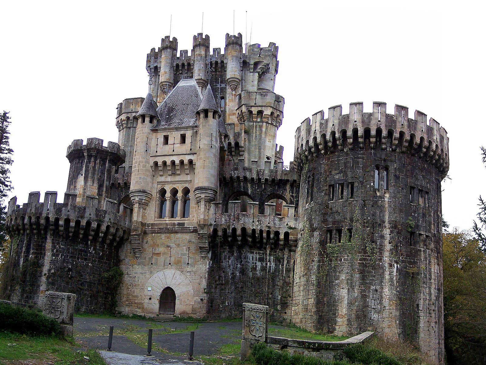 Купить средневековый замок как оформить вид на жительство в финляндии