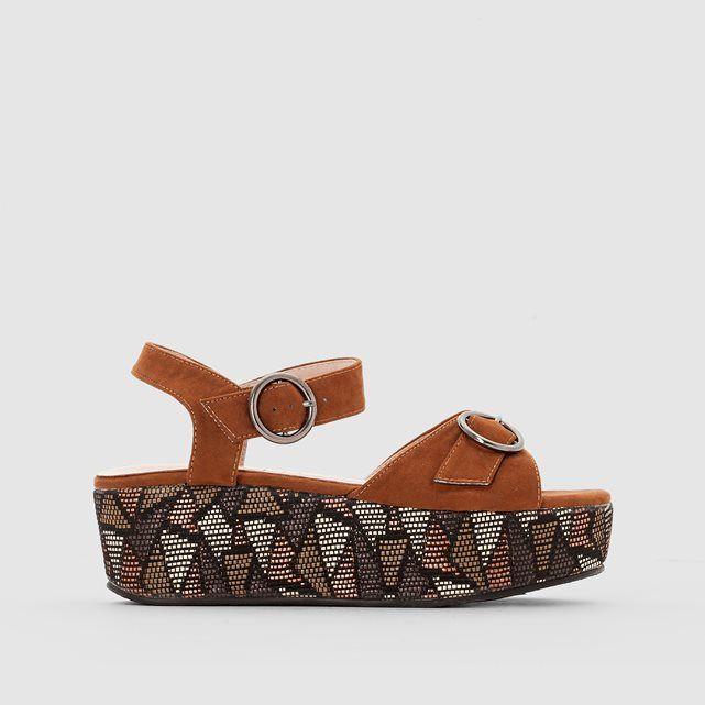 d1f57668b70 Sandalias con tacón de cuña   zapatos   Tacones de cuña, Sandalias y ...