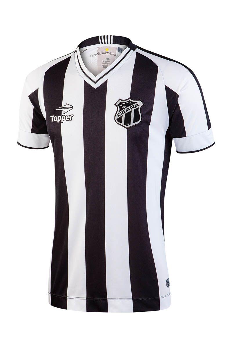 """8b3808414a Clássica, a camisa titular tem listras em preto e branco, gola retilínea em  """""""