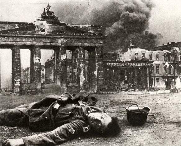 Berlin 1945 Brandenburg Tor Pariser Platz The Burning Adlon Hotel World War History War World War Two