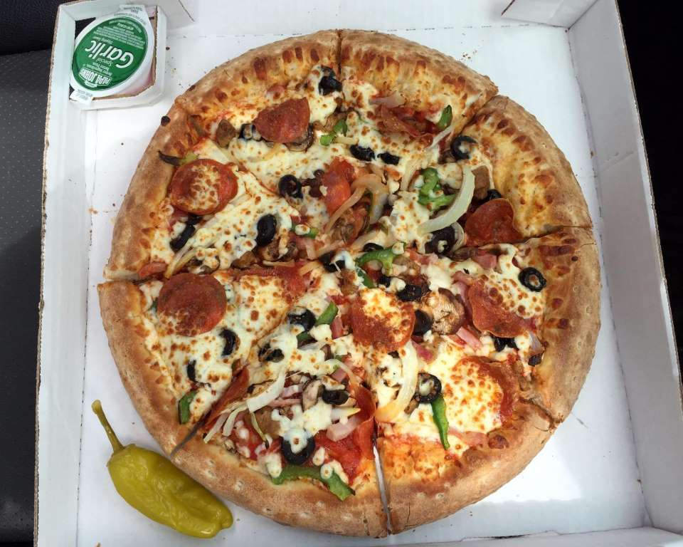 Papa John S The Things That Make Papa John S Pizza So Good Are The Extras You Get In The Box Creamy Garlic Sauce To Dip Meal Deal Papa Johns Papa Johns Pizza