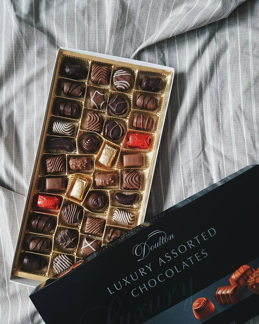 "8 Likes, 1 Comments - @berg0803 on Instagram: ""You never know what you're gonna get. #Doulton #chocolate #chocolates #assortedchocolates #life #巧克力"""