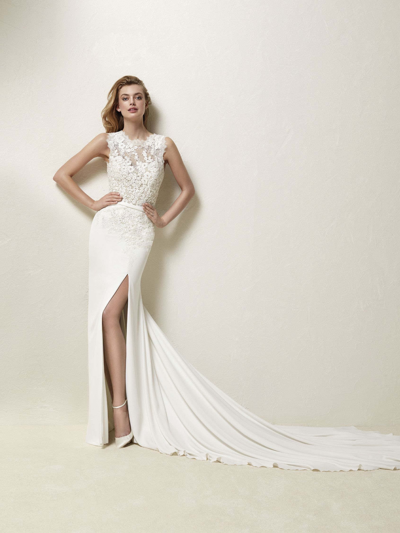 Suknia ślubna z koronki Chantilly - Drenia | Brautkleider ...