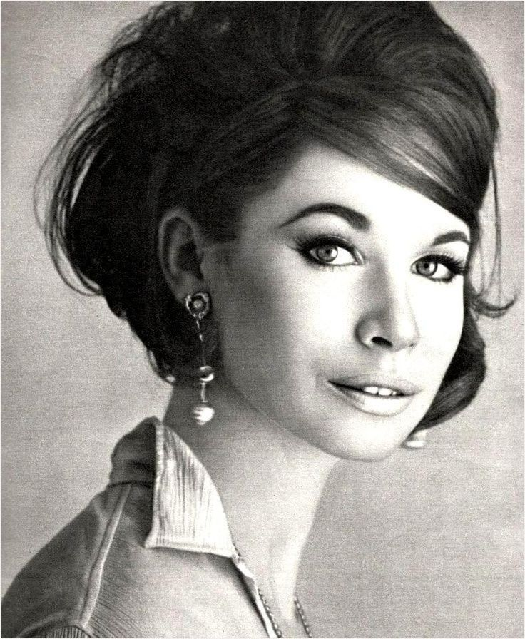I Love Sixties Hair And Make Up 1960s Hairstyles For Short Hair Source Www Pinterest Com Sixties Hair 1960s Hair Short Hair Styles