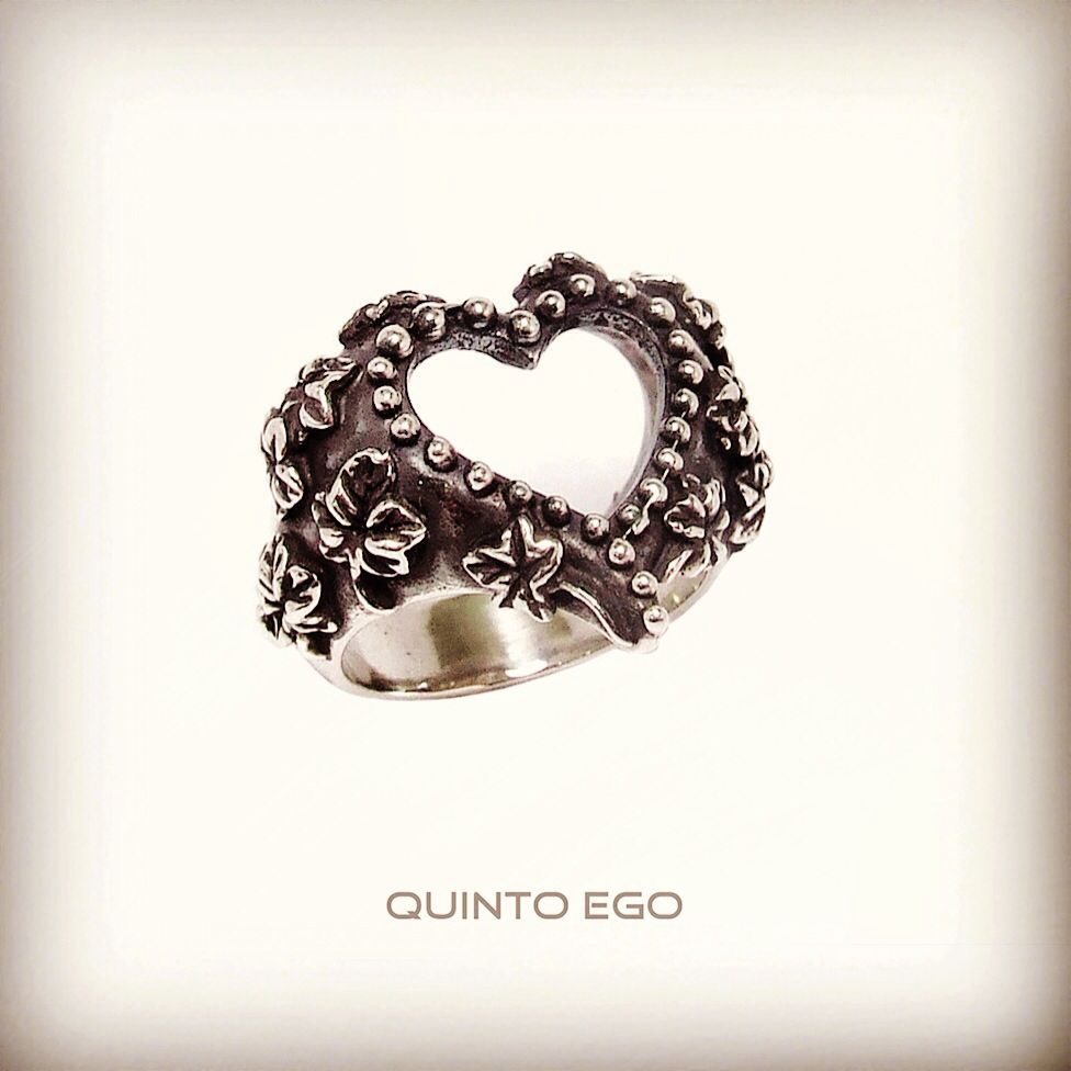 Beauty is not in the face.. Beauty is in the Art. Quinto Ego fashion accessories, the Art of handmade !