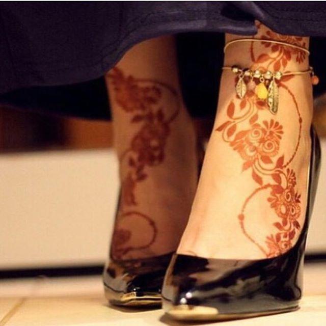 حناء حنتي حنه حنى حنايات حنايه نقش نقوش نقشات كشخه العيد صالون صالونات نقش الحنا اب Henna Designs Feet Henna Designs For Kids Mehndi Designs Feet