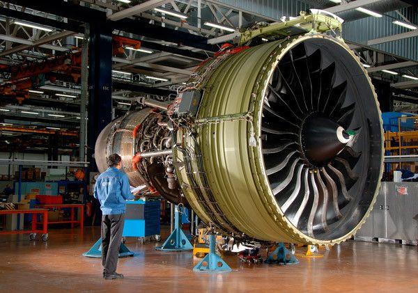 Motor a reacción GE90-115B | Aviación | Pinterest | De ingenieria ...