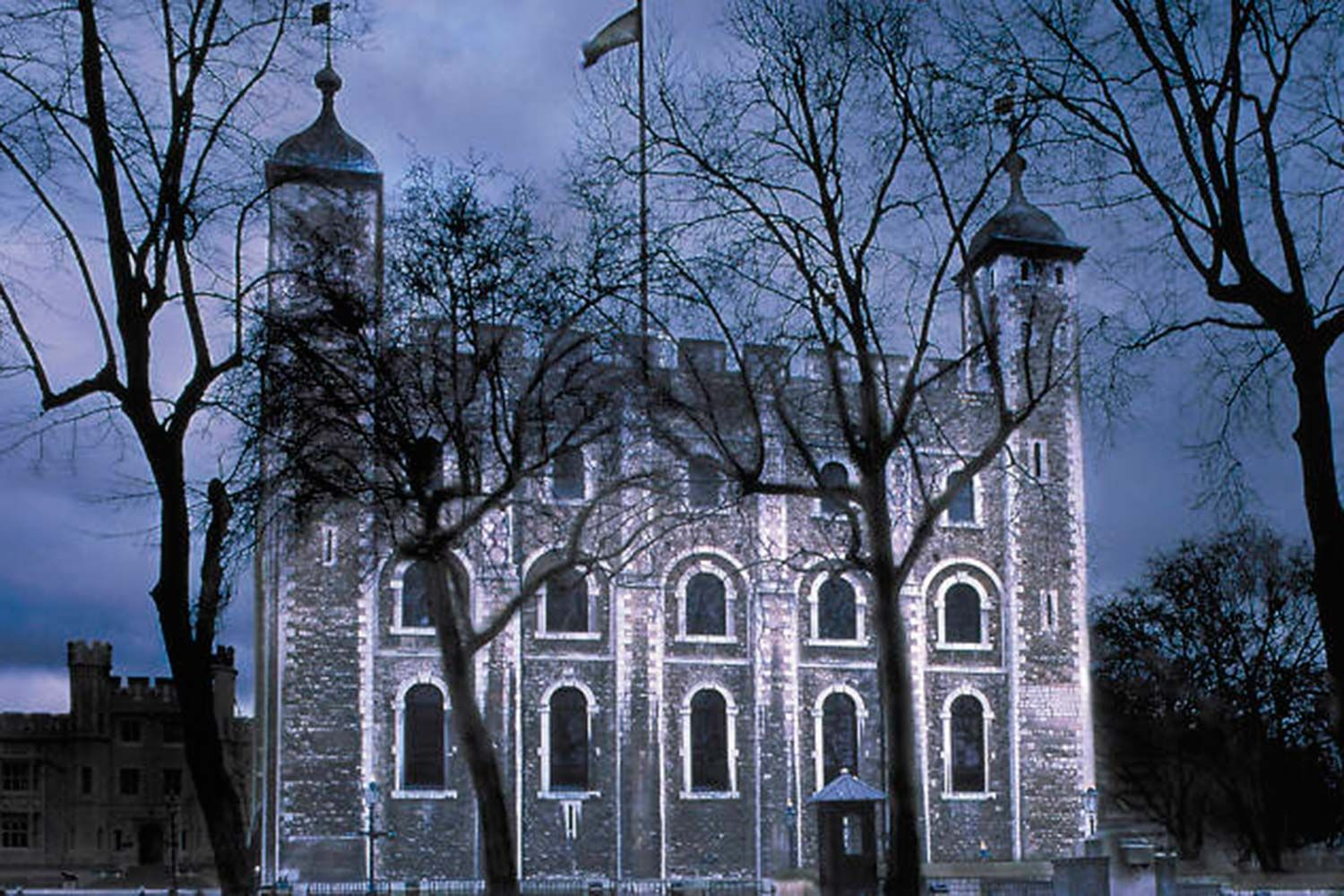 Spooky tower of london Halloween event ... trick or treat your date?  http://www.datemy.co.uk/blog/v/10-spooky-date-ideas-for-this-halloween-in-london/107